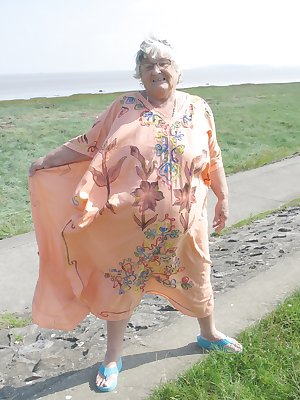Another big kaftan sent to me by an ardent admirer but this time Grandma found a use for it as I went walking along the