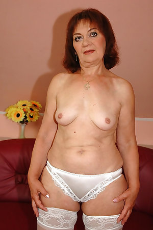 Mature old granny, photo set 454