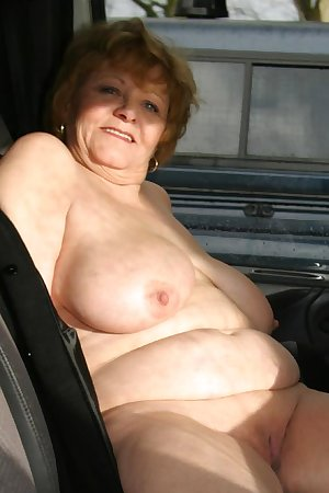 Naked older women homemade pics