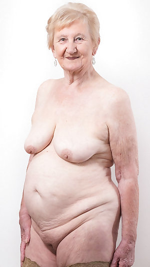 Amateur old lady play