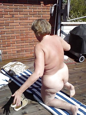 Alluring Granny GILF! - Jill (Nude Art Model)
