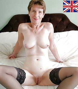 Grannies and Matures in Pantyhose and Stockings