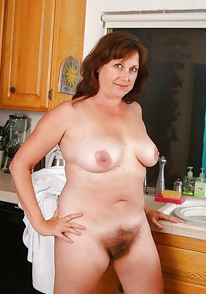 MATURE AND GRANNIES 60