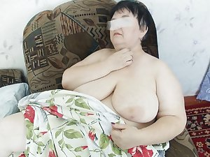 AMATEUR MATURES GRANNIES BBW BIG BOOBS BIG ASS 16