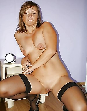 Amateur wife mature granny shaved pussy small tits