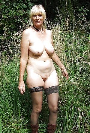 SWEET SEXY GRANDMAS A6