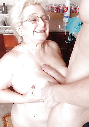 mature housewives and sexy grannies 39