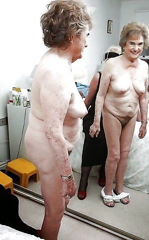 MATURE AND GRANNIES 148