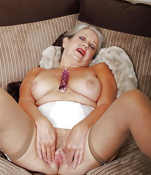 Horny Grannies In Stockings 40