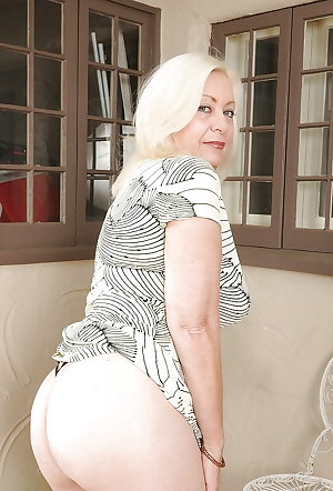 Grannies matures and milfs upskirt 49