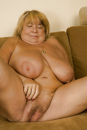 GRANNIES & MATURES WITH HUGE BOOBS N3