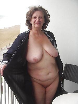 Grab a granny 412
