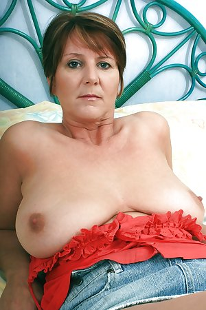 British gilf Joy from OlderWomanFun