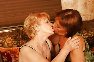 7 Mature Mothers and Grannies Fucked by Lucky Boy PART 1