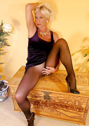 Seamless for superb older lady