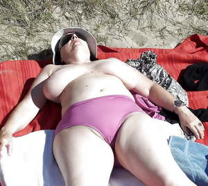 BBW matures and grannies at the beach 305
