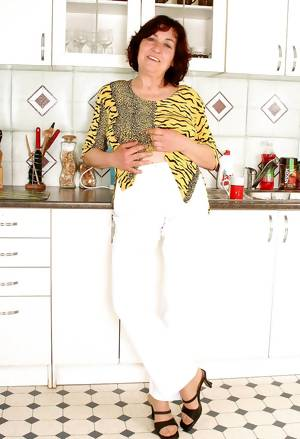 Granny Hannah (fifth set)