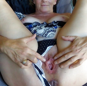 Sherry Shows Her Big Pussy And Asshole