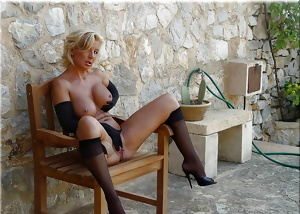 Lion's: MILFs & Cougars... waiting for the Postman? (3)