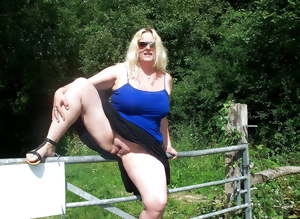 Mature BBW Wife Lynn, Outdoors