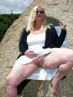 Mature BBW Wife Lynn, Outdoors