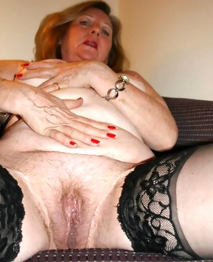 Old pussy on old babe loves dick