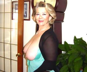 This horny granny slut loves her dildo