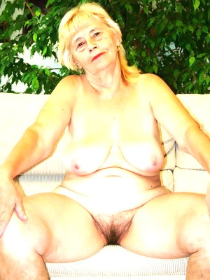 The paint the naked granny babe