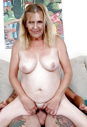 This granny slut just loves to eat ass