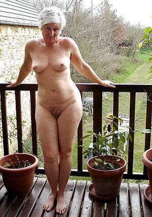 This chubby slut loves toys and cocks