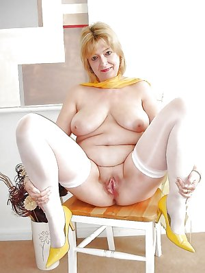 This kinky housewife really loves the cock