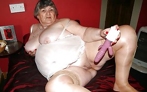 These granny women love to break a sweat naked
