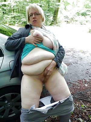 This granny mama gets a cock to ride on