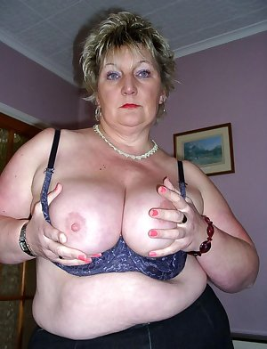 This horny housewife loves showing her kinky body