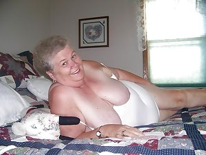 Granny swingers having a big party on the bed