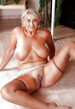 Mature granny mix 19.