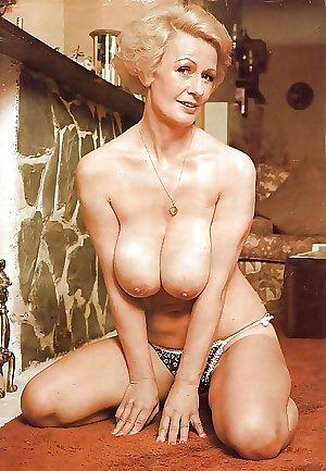 Hot Older Women 7