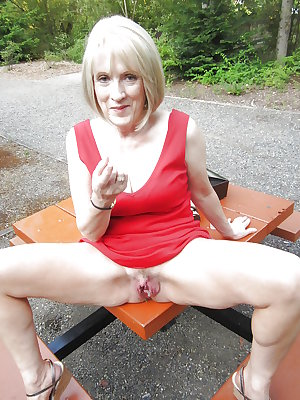 Hot Granny friend big clit