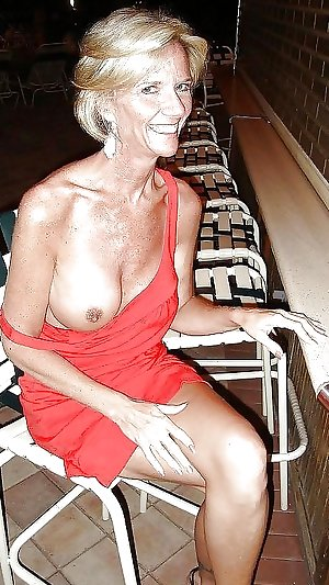 Granny , Mature...Nana putting on hot show