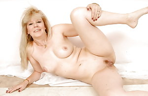 Granny , Mature...Nana is NUDE 8