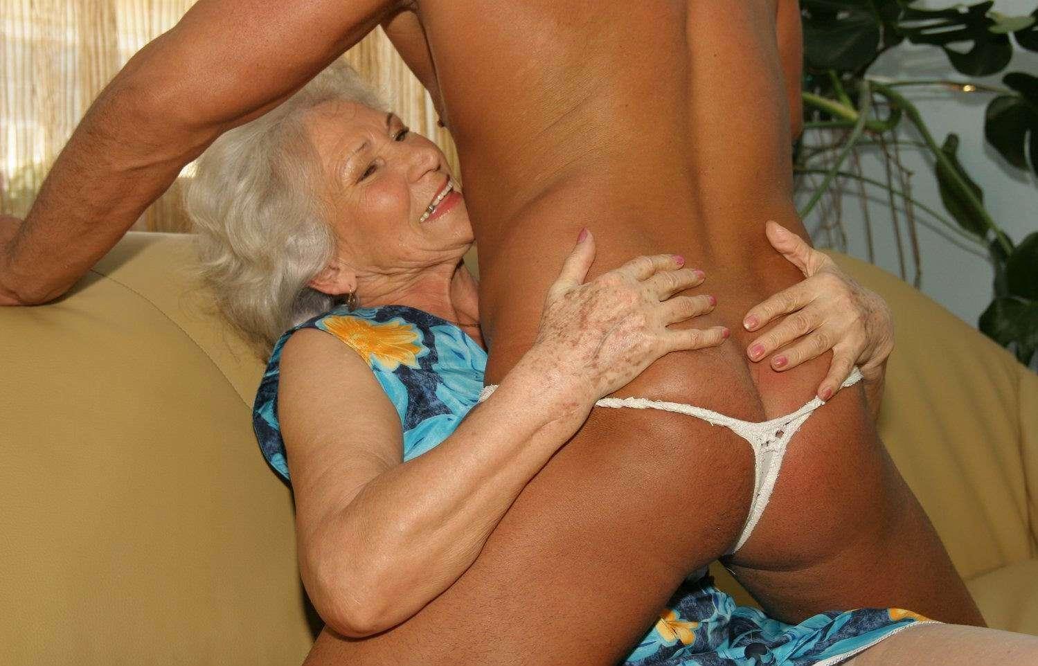порно 80 летние старухи в