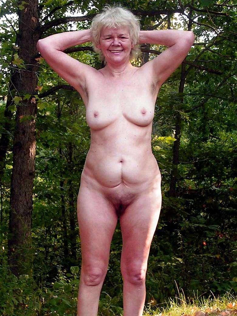 красивые голые пожтилые женщины